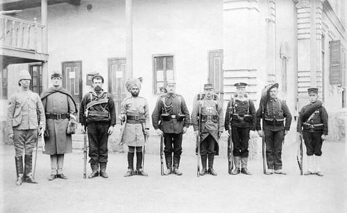 海外の反応「1900年の同盟国軍8か国の兵士の写真が話題に!」 | 海外 ...