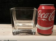 海外の反応「胃液にコカ・コーラを注いでみた!」